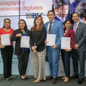 50 docentes del programa ProFuturo en Ecuador obtienen certificación internacional en pedagogía y competencias digitales